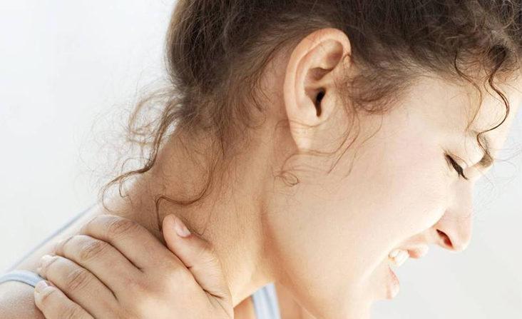 Il termine cervicalgia viene usato abitualmente in campo medico per indicare un dolore generico a carico del rachide cervicale. E' una delle patologie più diffuse, colpisce entrambi i sessi e tutte le età e – insieme alla lombosciatalgia – è la causa più frequente di visita dal terapista.